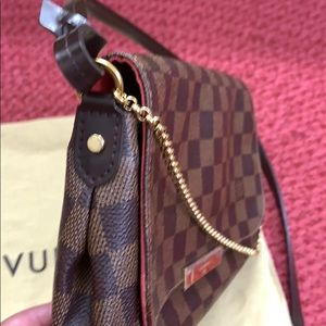 Louie Vuitton Favorite mm in DE